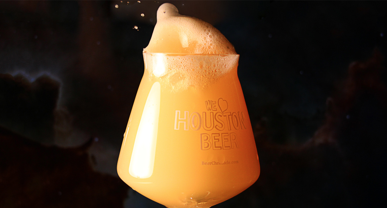 Beer-Chronicle-Houston-Astral-Nebulous-Pale-Ale-spill-shot