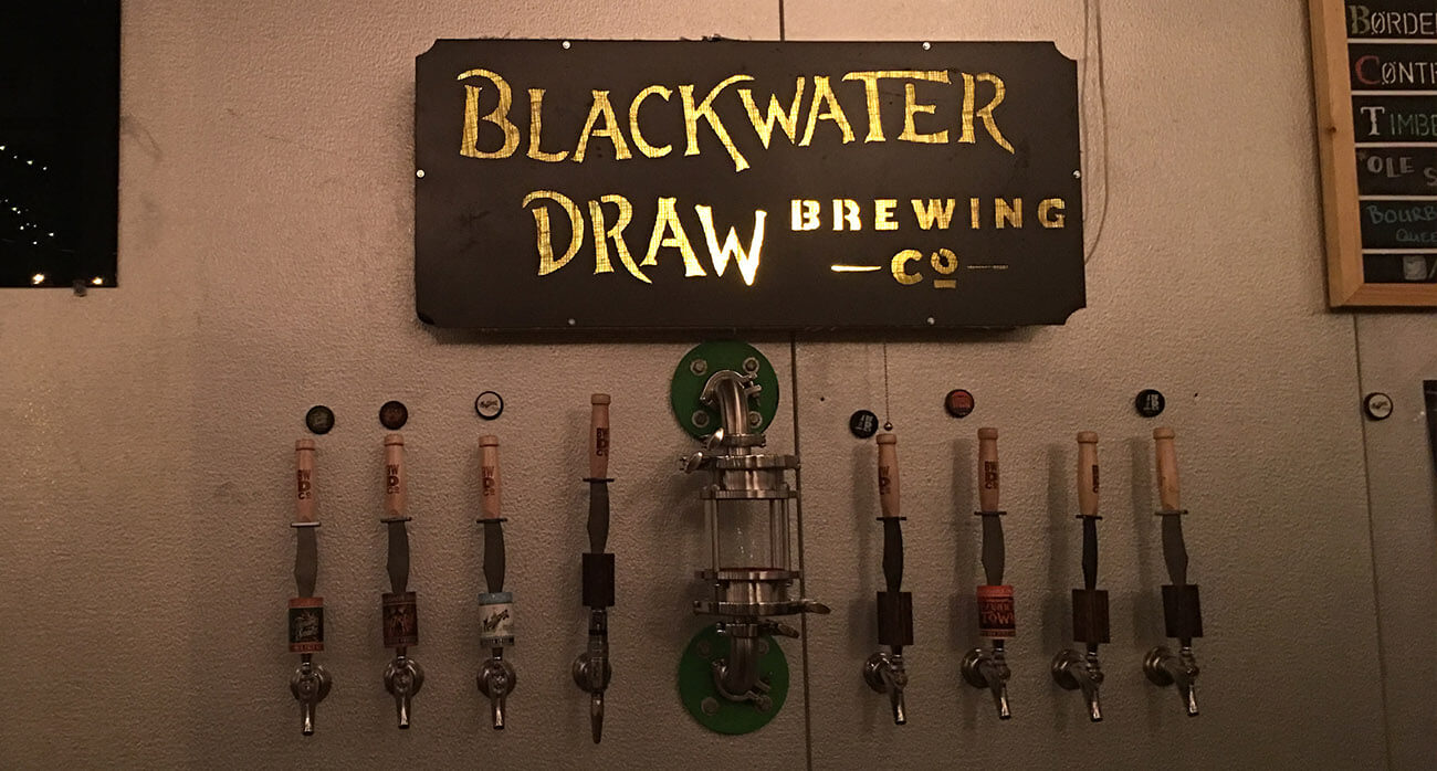 Beer-Chronicle-Houston-Beer-blackwater-draw-border-town-lager_0000_tap-handles