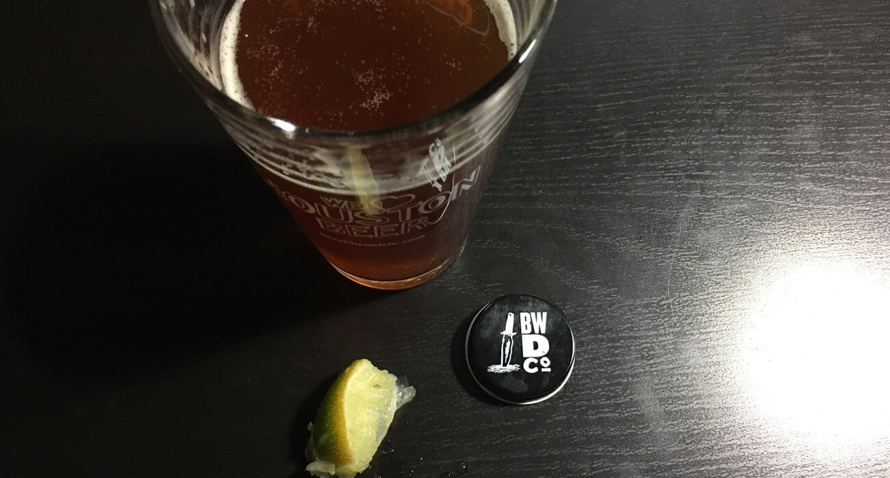 Beer-Chronicle-Houston-Beer-blackwater-draw-border-town-lager_0003_Pint