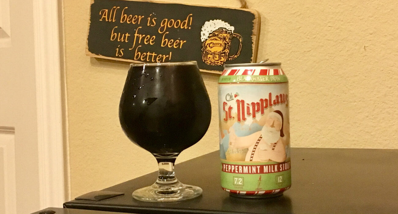 beer-chronicle-houston-craft-beer-review-blackwater-draw-st-nipplaus-full-snifter-glass-next-to-can