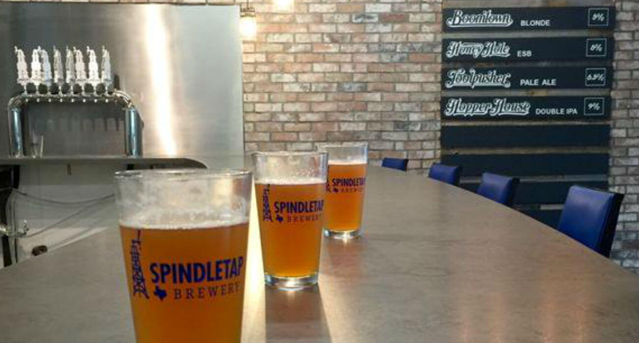 Beer-Chronicle-Houston-Craft-Beer-Review-Boomtown-Blonde-Spindletap-stock-picture-at-brewery