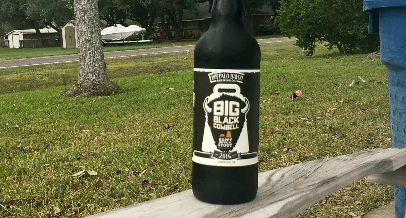 beer-chronicle-houston-craft-beer-review-buffalo-bayou-big-black-cowbell-bomber-bottle-outside