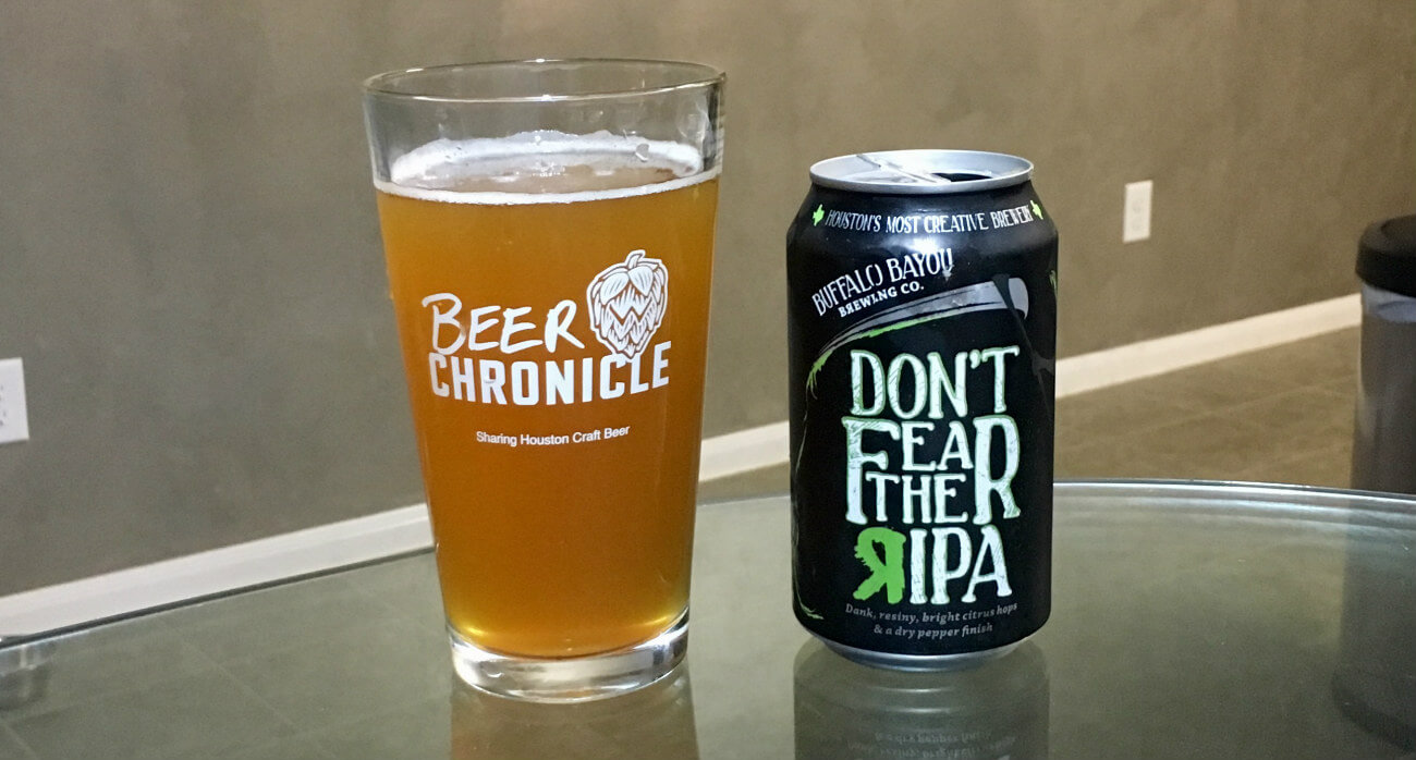 Beer-Chronicle-Houston-Craft-Beer-Review-Buffalo-Bayou-Dont-Fear-The-RIPA-Full-Pint-Glass-Next-To-Can