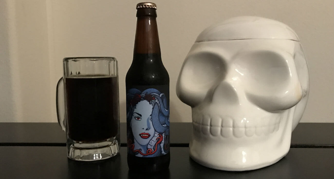 beer-chronicle-houston-craft-beer-review-copperhead-medusa-bottle-with-beer-in-mug-and-white-glass-skull