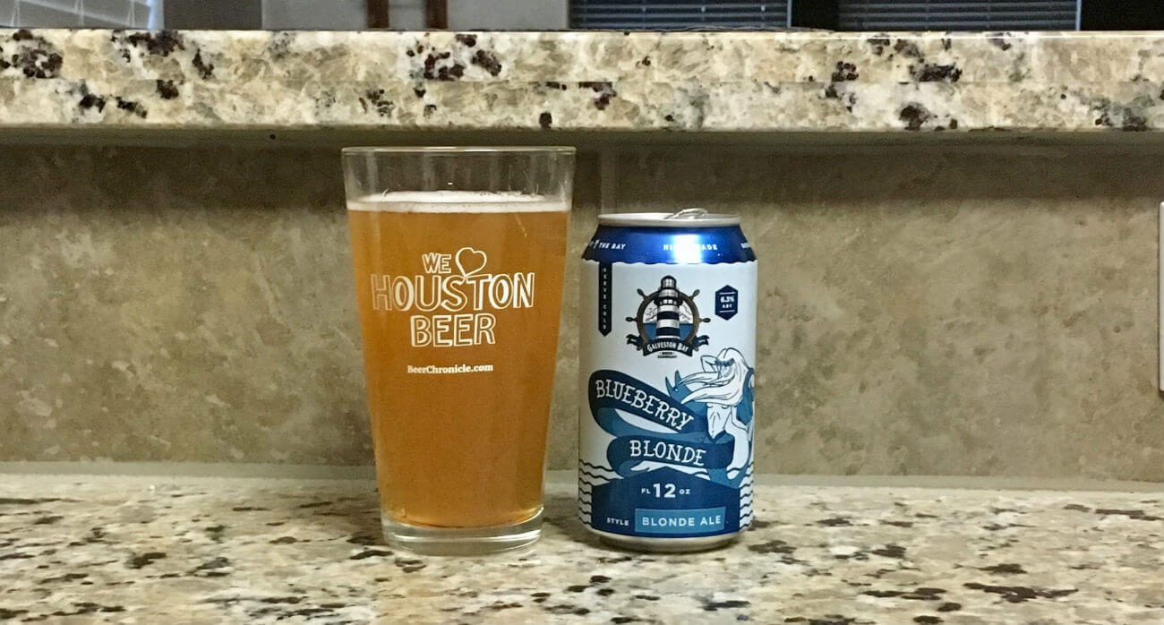 Beer-Chronicle-Houston-Craft-Beer-Review-Galveston-Bay-Blueberry-Blonde-Full-Pint-Next-To-Can