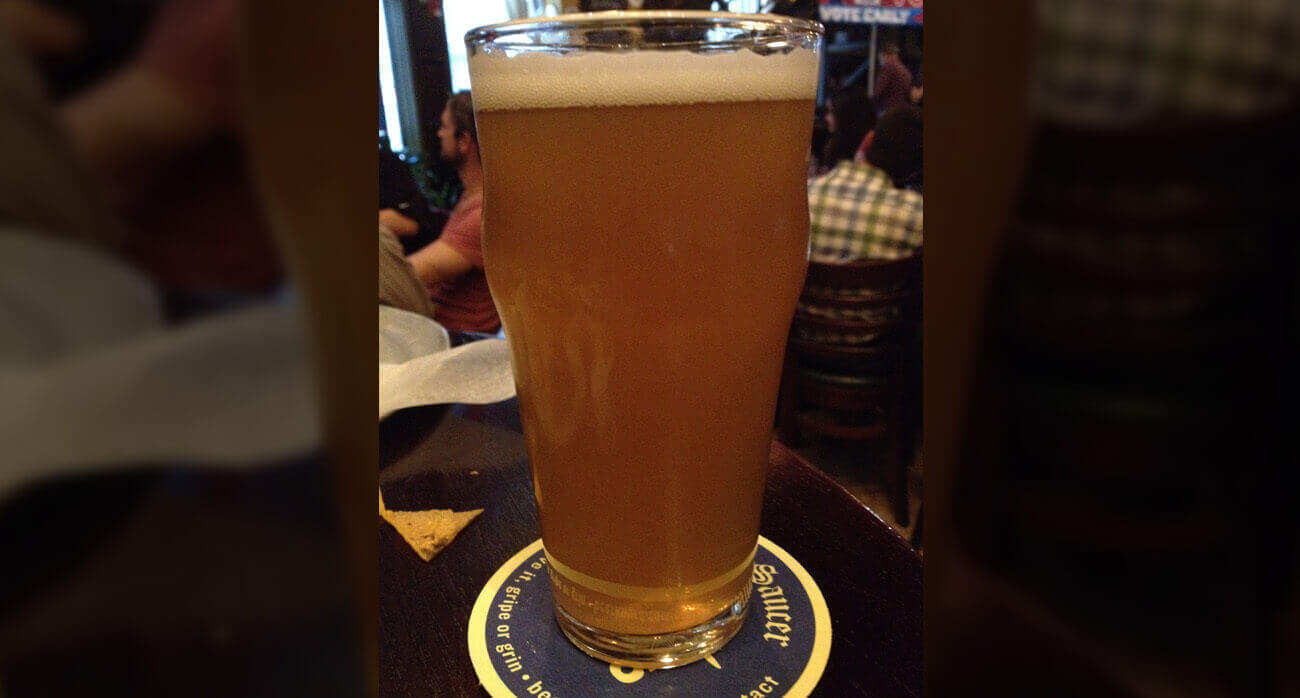 beer-chronicle-houston-craft-beer-review-lone-pint-yellow-rose-ipa-beer-in-pint-glass