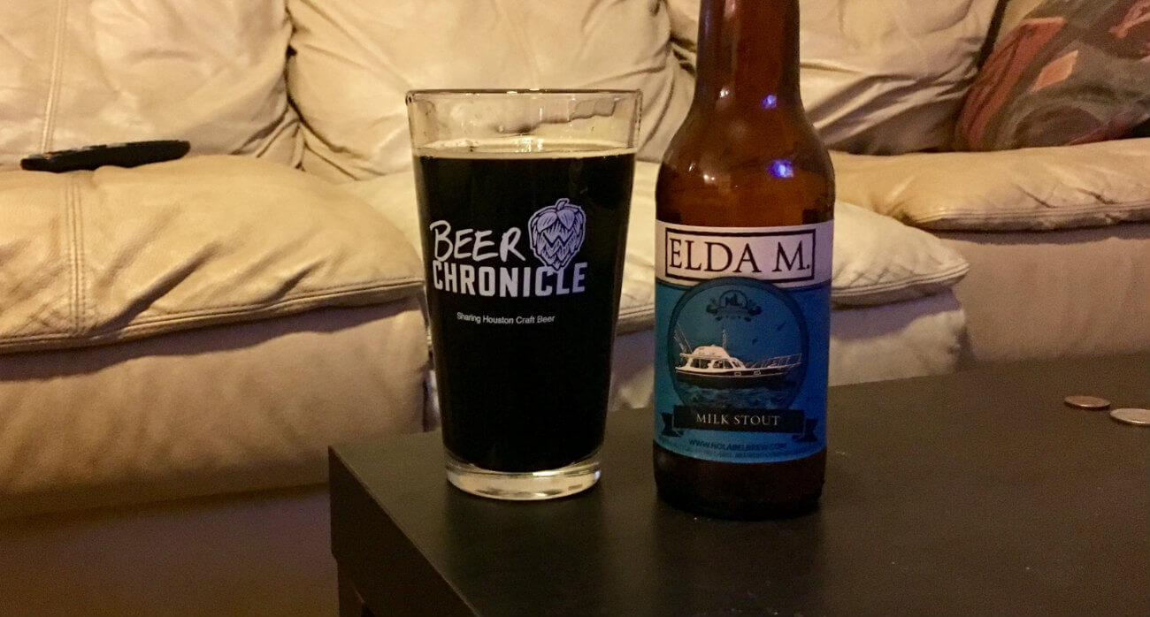 beer-chronicle-houston-craft-beer-review-no-label-elda-m-full-pint-glass-next-to-bottle
