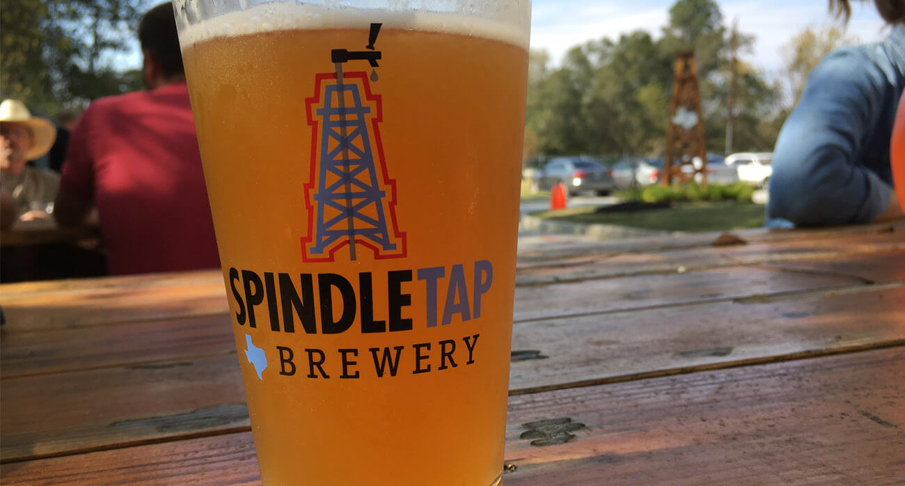 beer-chronicle-houston-craft-beer-review-spindletap-guide_0009_oilers-pint-glass