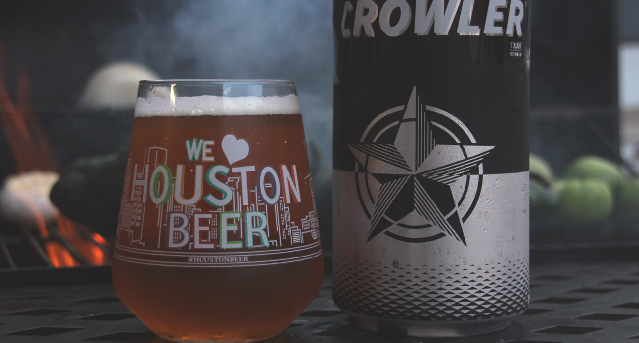 Beer-Chronicle-Houston-Senate-ave-smokeshow-jalapeno-blonde_0002_-houston-skyline-beer-glass