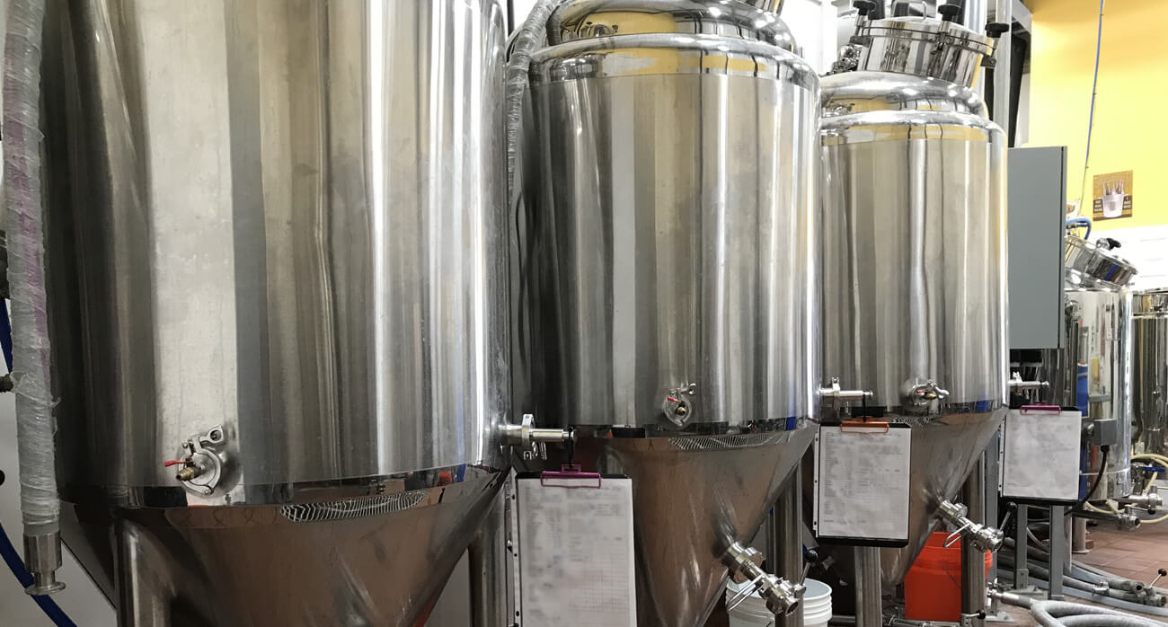 Beer-Chronicle-Houston-beer-southern-yankee-beer-company-opening-fermenters