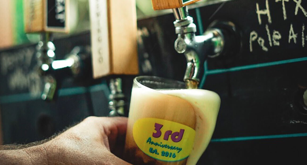 Beer-Chronicle-Houston-city-acre-brewing-anniversary-josh-olalde-pale-ale