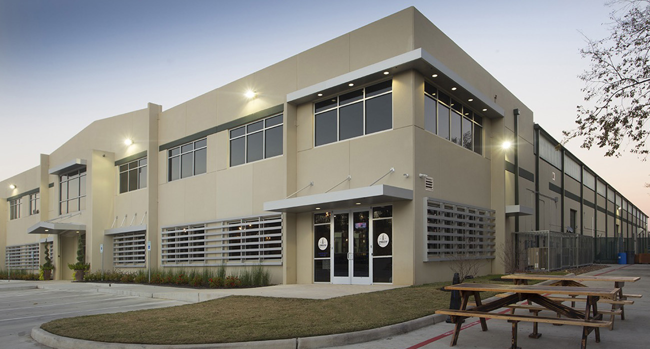 Beer-Chronicle-Houston-local-building-codes-while-planning-your-next-brewery-spindletap-brewery-outside-method-arc